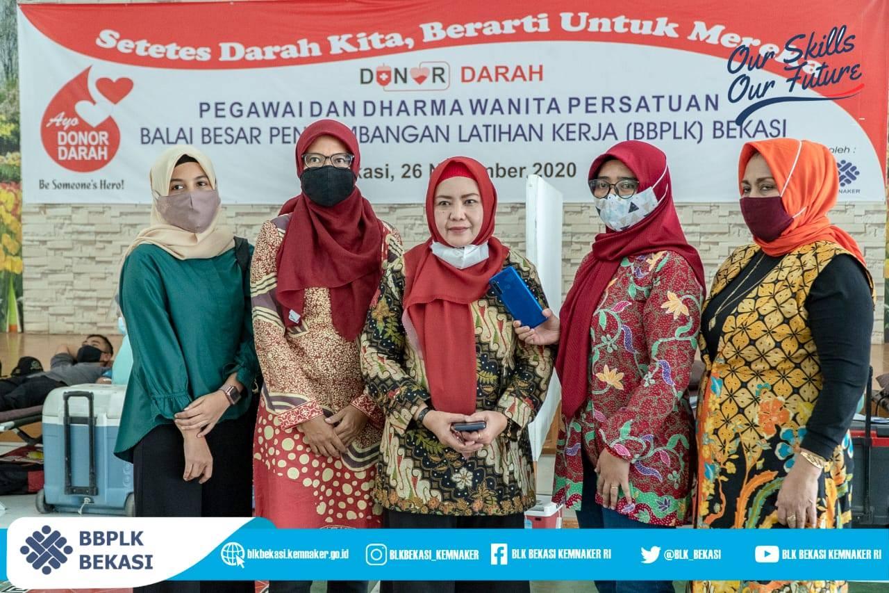 Donor Darah Pegawai BBPLK Bekasi dan Dharma Wanita