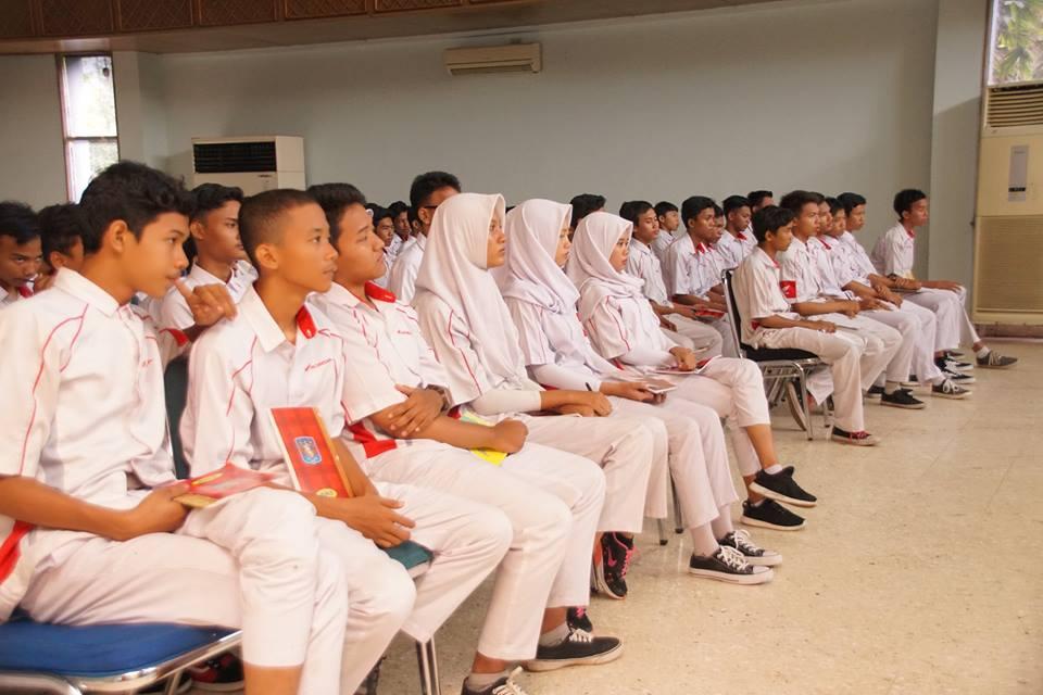 Kunjungan SMK Bisnis dan Teknologi Bekasi